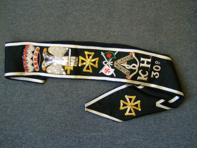 30th Degree Set - Hand embroidered sash, Collarette & Jewel
