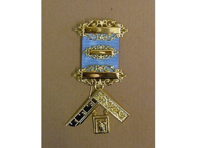 Past Master Breast Jewel - Silver Gilt - English Constitution