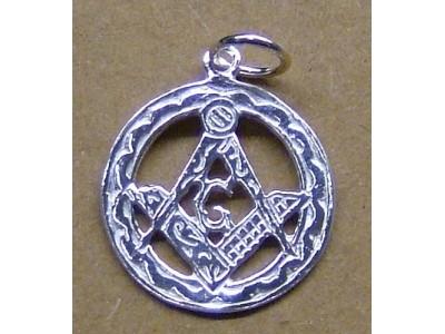Silver pendant round