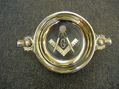 Freemasons Masonic Quaich with Engraved Square Compass & G - Thistle handles
