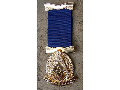 Past Master No. 6 style Breast  Jewel available in Base Metal or Silver - (Gold) Gilt - SCOTTISH MASON