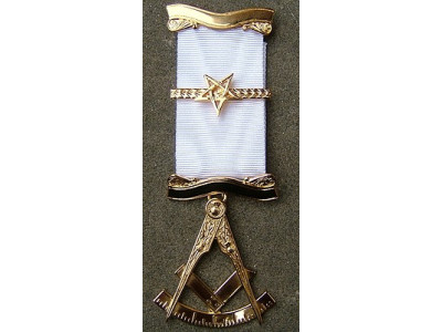 Past Master No. 5 style Breast  Jewel available in Base Metal or Silver - (Gold) Gilt - SCOTTISH MASON