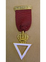 Royal & Select Masters breast jewel