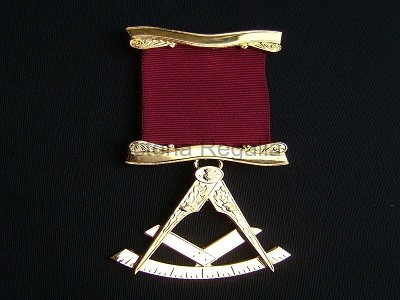 Past Master No. 1 style Breast Jewel available in Base Metal or Silver - (Gold) Gilt  - SCOTTISH MASON