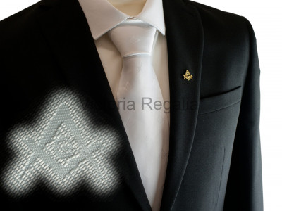 White Square and Compasses and G Tie with Discreet Pattern Design
