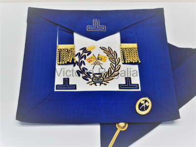 Grand Lodge Undress Apron, Collar and Collar Jewel English Constitution