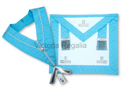 Set of Past Master Apron, Collar, Jewel and flat Cordura Case