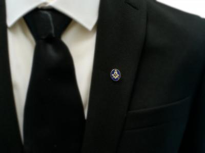 Oval Golden Square, Compass & G Masonic Freemasons Lapel Pin