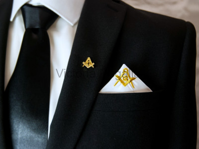 Masonic Plain White Pocket Square with Gold embroidered Freemasons Square Compasses and G (SC&G)