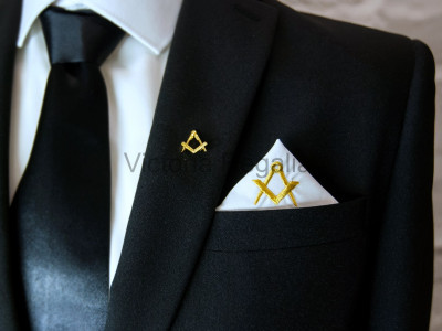 Masonic Plain White Pocket Square with Gold embroidered Freemasons Square and Compasses (S&C)