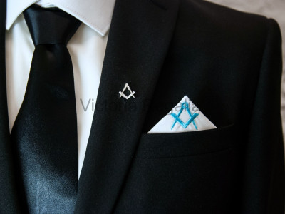Masonic Plain White Pocket Square with Sky Blue embroidered Freemasons Square and Compasses (S&C)